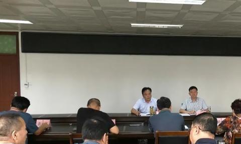 淅川县委书记卢捍卫到县人大常委会机关调研