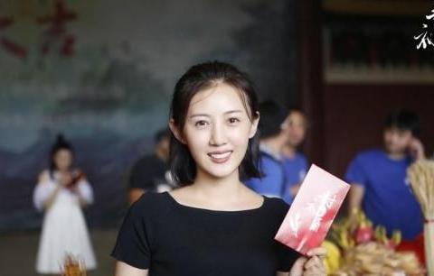 张丰毅的儿媳妇,出道多年不愠不火,没想到被靳东意外捧红!