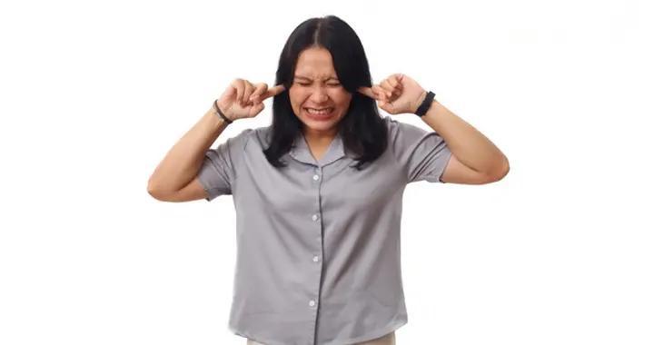 耳鸣是听障征兆?耳科专家:持续听到心跳声更有致命危险