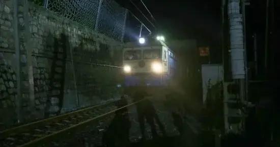 注意!成昆铁路岩崩段抢通,这些旅客列车仍停运