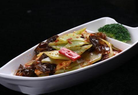 美食精选:银牙炒肉丝、麻辣干炒鸡、鱼香茄子盖饭、木耳炒莴笋