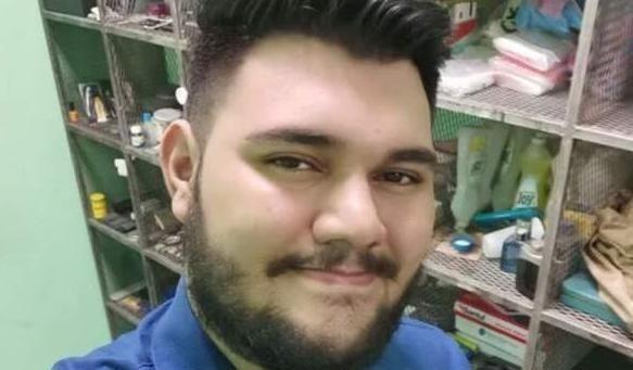 这名洪都拉斯男子在互联网上被枪,数小时后他在街上暴露并被刺