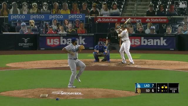 2020年MLB常规赛教士主场对道奇比赛9局下……