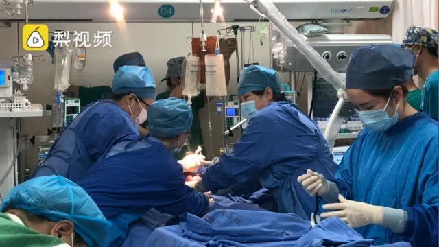 产妇羊水栓塞5小时用掉117袋血:输血总量达3.3万毫升
