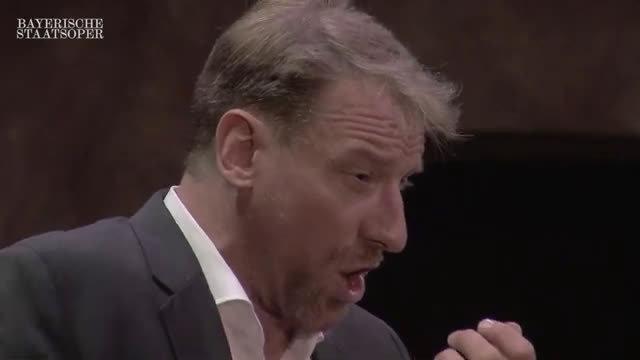 "Günther Groissböck演唱威尔第歌剧《唐卡洛》中的选段""我只愿睡在我的龙床上"""