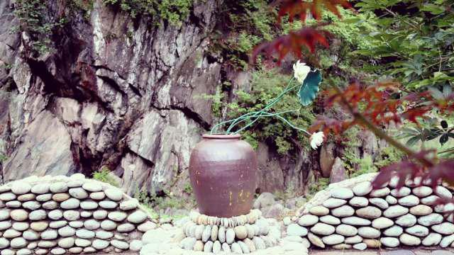 在陇南康县,一个个充满诗意、温情、质朴的景观小品……