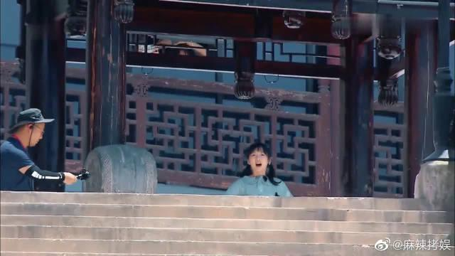 李浩菲自食其力,下一秒怂了! 黄晓明张亮联合整蛊小妹妹!