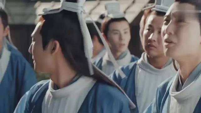 鞠婧祎被罚站不料晒晕过去,还好宋威龙英雄救美,上来就是公主抱