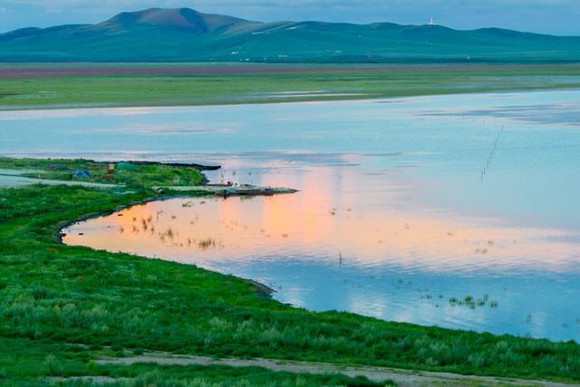 内蒙古有一处小镇,曾是狼图腾拍摄地点,设备齐全无人居住