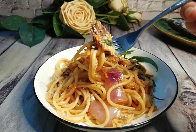 巴浪鱼鲜甜美味,能做多种菜,亦可搭配意大利面条,味道出奇的好