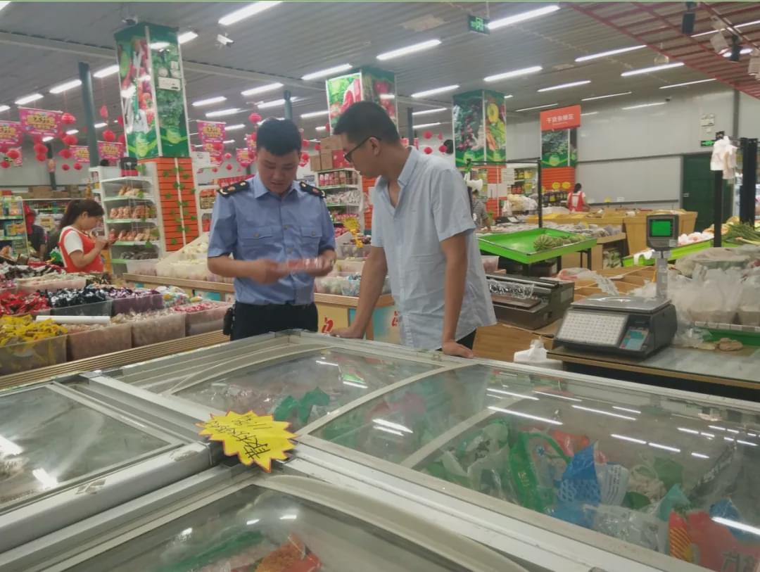 略阳县市场监管局开展流通环节冷藏冷冻食品专项检查
