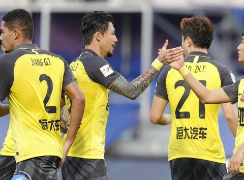 一场3:1让国足迎喜报,李铁收获锋线真正王牌比艾克森武磊还猛