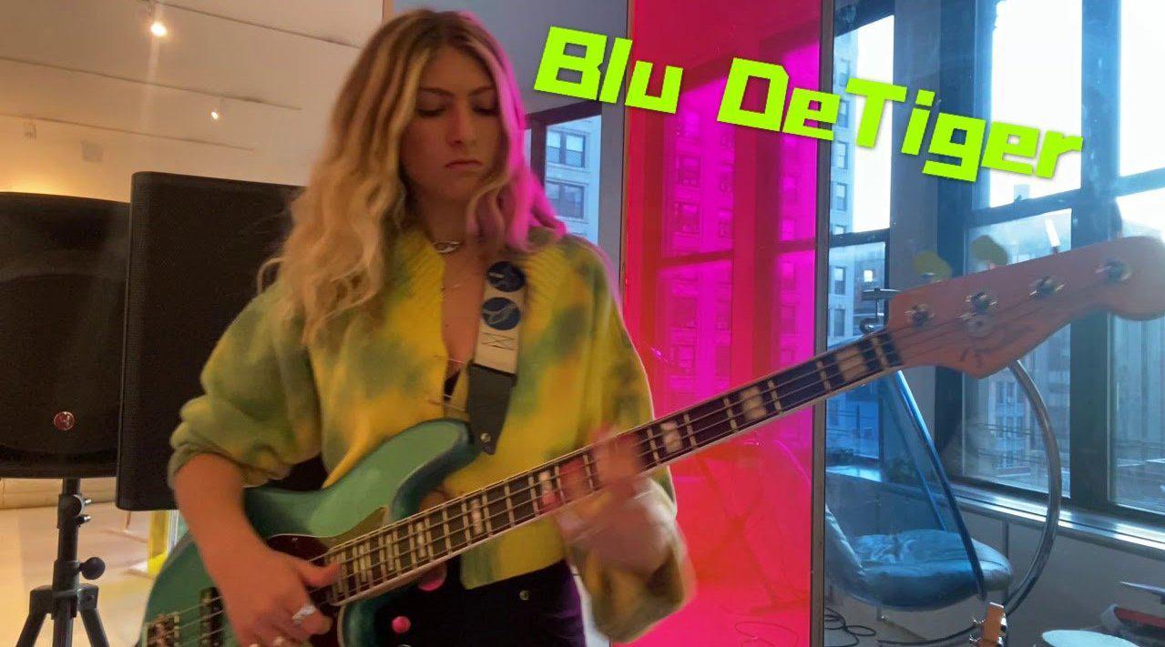 美国音乐人Blu DeTiger Bass Cover Ginuwine作品《PONY》……
