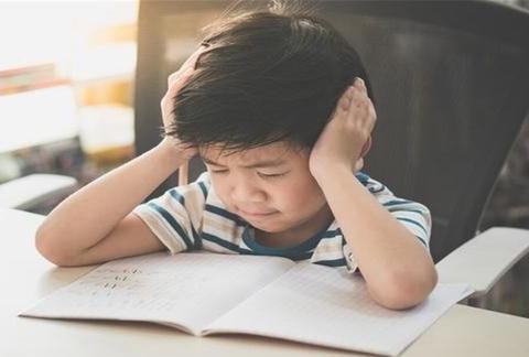 孩子喜欢顶嘴怎么办?别用叛逆当作理由,寻找教育问题很重要