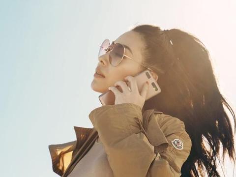 蔡诗芸分享手机心得,百万金表入镜,大大帮加分!