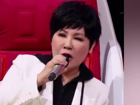 不凡的改变:黄小琥萧煌奇合唱《没那么简单》忍不住听了10几遍