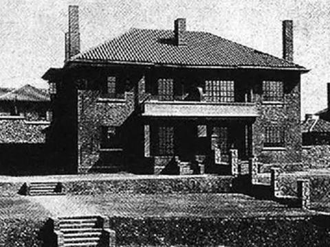 李鸿章病逝时,家产超过了1000万两白银,他的财产从哪来的?