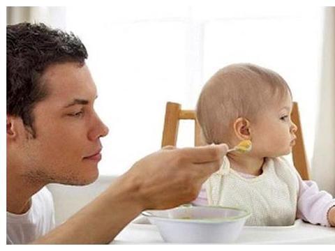 1岁前宝宝不适合吃盐,辅食正确做,不加一粒盐,宝宝也光盘
