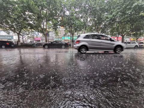 河南黄淮之间部分地区将有大到暴雨 伴有短时强降水等强对流天气