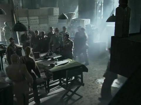 长沙保卫战:跟鬼子打巷战,军长写下绝笔信,拿冲锋枪上阵杀敌