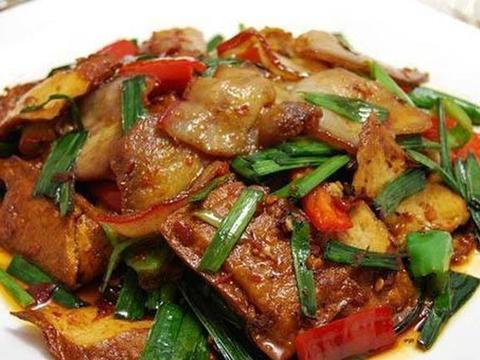 做回锅肉时,多加一食材,美味可口,一上桌就被抢光了