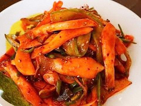水滴草凉拌杏鲍菇,味道香甜酸辣开胃,比肉还好吃搭配米饭更美味