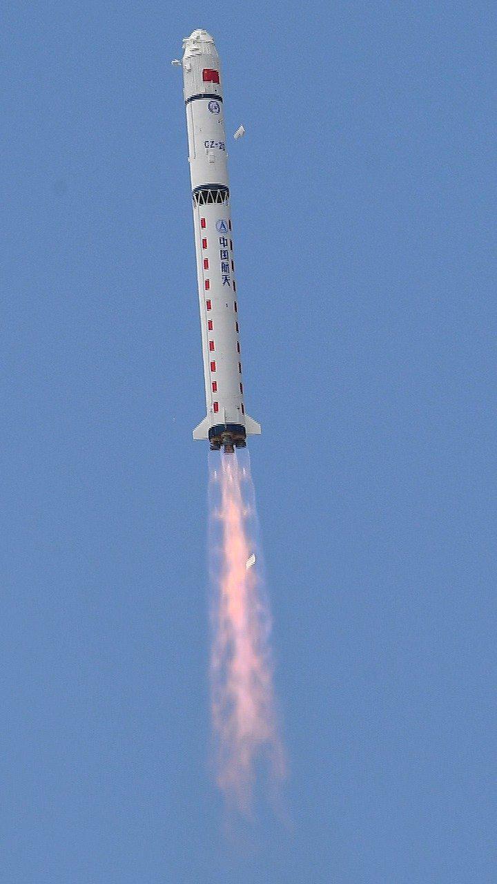 2020年8月6日12时1分,我国在酒泉卫星发射中心用……