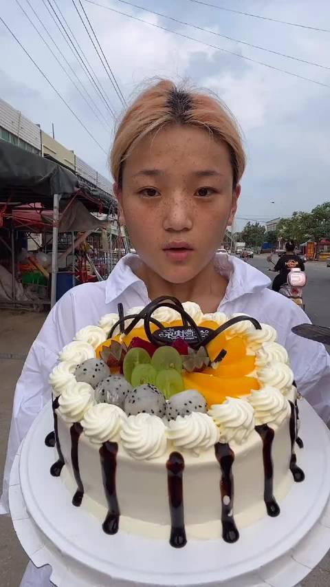 面粉姐:吃奶油双层夹心蛋糕