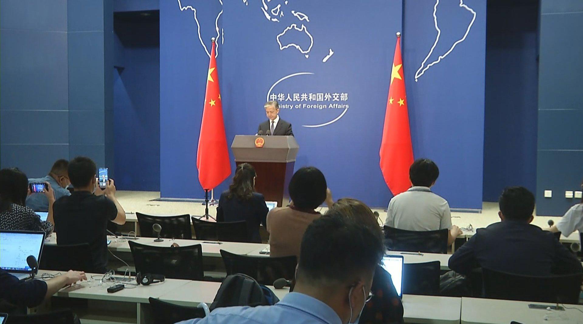 外交部:敦促美方政客停止干涉包括香港事务在内的中国内政