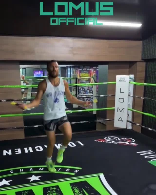 世界拳王的超快速跳绳,非专业人士请勿模仿