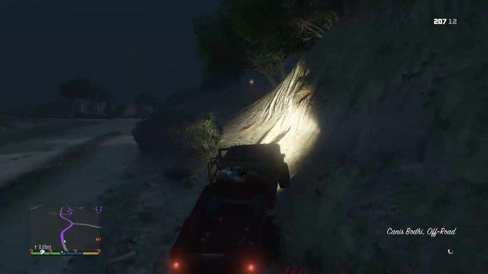 当你在《GTA5》中抢了一辆车... (: cool42069)