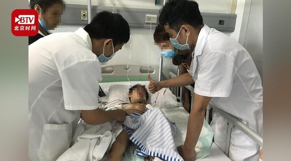 广西一女童12楼坠下奇迹生还 医院:刚做完手术正在观察
