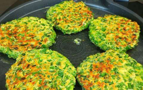 半斤韭菜,5个鸡蛋,教你一个新鲜的做法,连吃10天也不腻,香