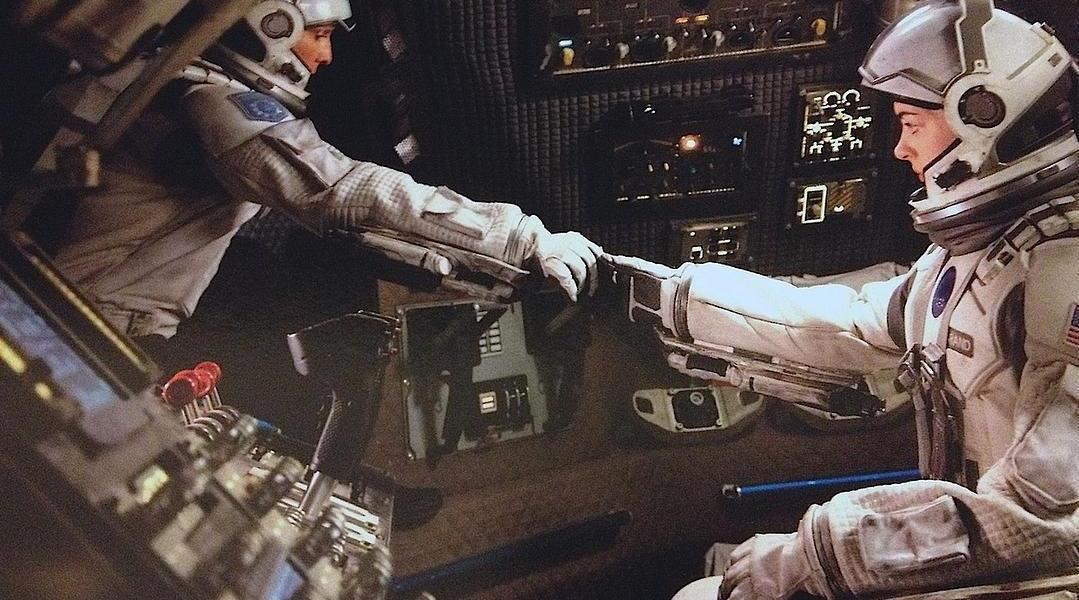《星际穿越》中国内地票房破8亿元。该片2014年首映票房7.5536