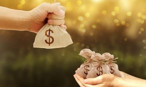 在农村结婚之后都由老婆管钱,这是为什么?看完后心里就有数了