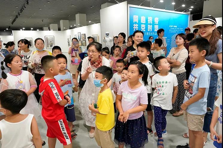 """江西省美术馆:""""小画笔,绘抗疫""""公共教育活动纪实"""