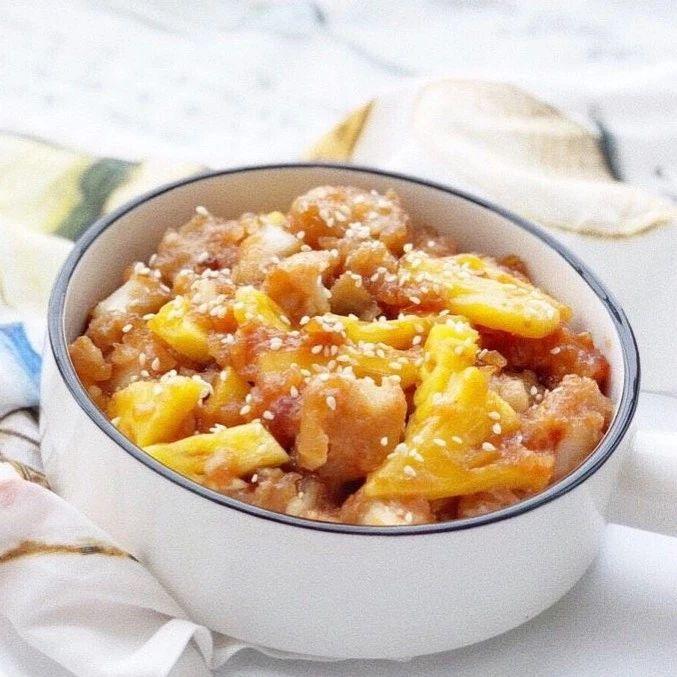 酸酸甜甜的菠萝,搭配滑嫩细腻的龙利鱼,闷热夏天也能有好胃口~