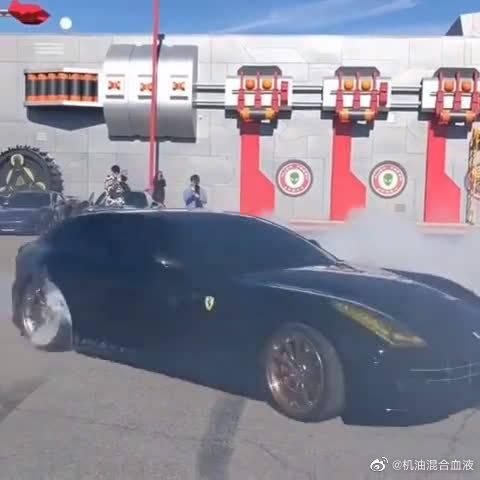 超跑界首台两厢车,V12的发动机……