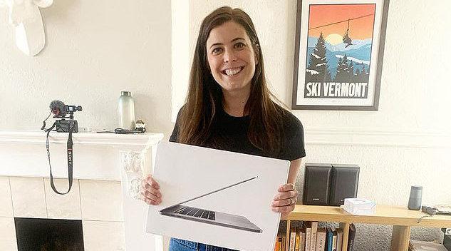 美国一女子欲用小发夹换房子 两个多月已换到笔记本电脑