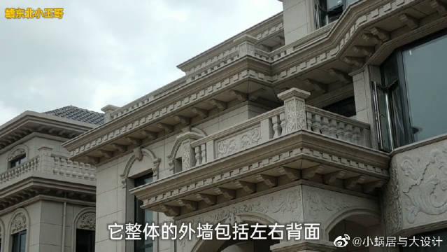 农村哥俩自建欧式别墅,房型相同而材质却不同,外观高端大气