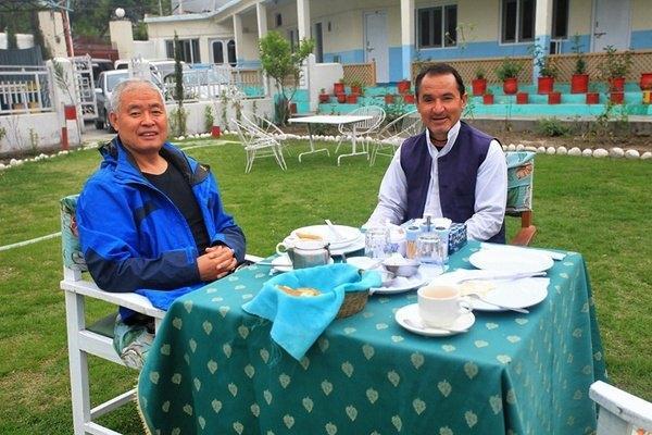 巴基斯坦太热情了!中国夫妇去后竟直接配武装保镖