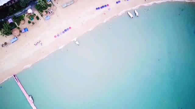 航拍下的小径湾十里银滩
