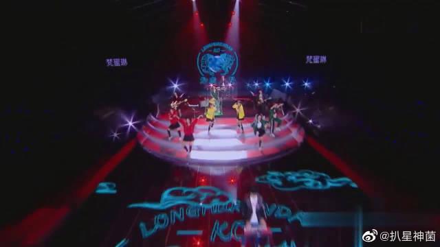 黄圣依、吴昕、郑希怡与新裤子乐队带来《龙虎人丹》