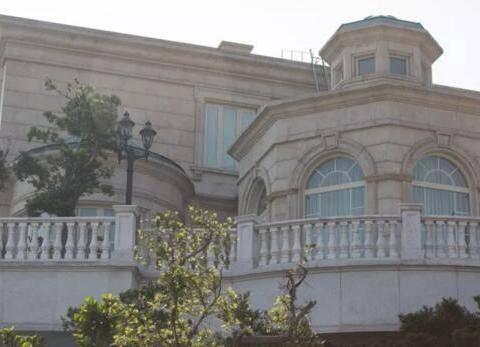 全球豪宅第2贵的香港也有鄙视链:李嘉诚府邸不如他,睡1晚3.74万