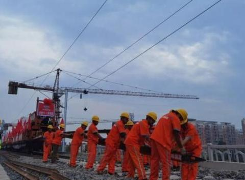 中国在建全长362公里高铁,沿途共设13个站点,预计难道建成