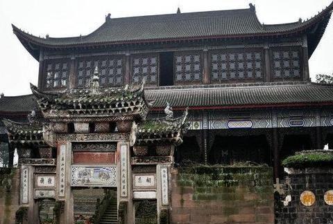 国内罕见以塔为主的古建筑群,有840年历史,人少清净,位于重庆