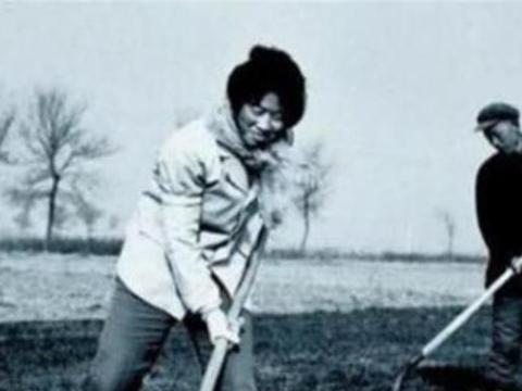 1994年农妇地里挖出钻石,27万卖掉被告上法庭,后来钱又退了回去