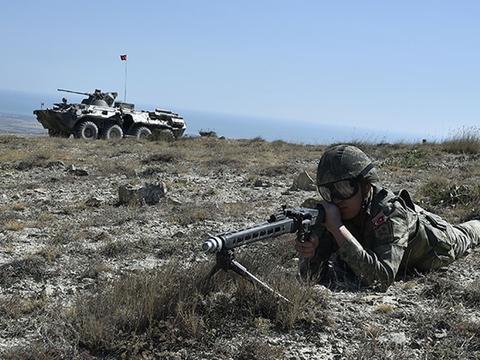 俄土随时爆发大规模冲突!土耳其大军战机进入,亚美尼亚危险了