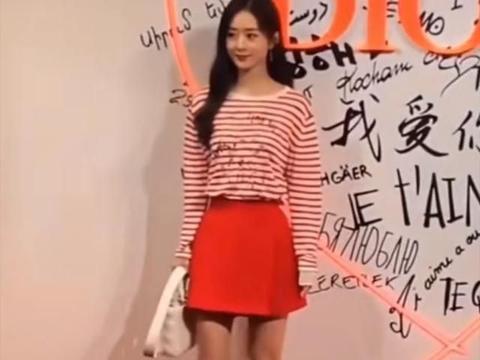 赵丽颖出席Dior发布会,离开滤镜却暴露了:真实身高和皮肤