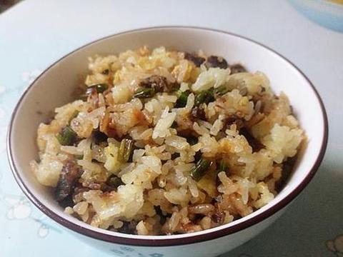 炒蒜苔切记不要直接下锅,多加一步,蒜苔更鲜嫩,一点也不老
